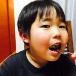 表面はカリッ、なかはふっくらしっとり〜(((o(*゚▽゚*)o)))濃厚なチョコレートが口いっぱいに広がる「材料3つで出来る☆ヨーグルトチョコレートマフィン」