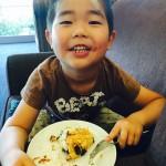 シロップの甘さと、果肉を噛んだ時のほんのり残る甘酸っぱさ(≧∇≦)イチゴの食感が楽しめる「果肉ゴロッと手作りイチゴジャム」