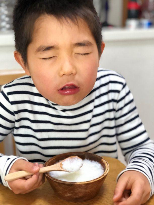 かき氷を食べるせんちゃん