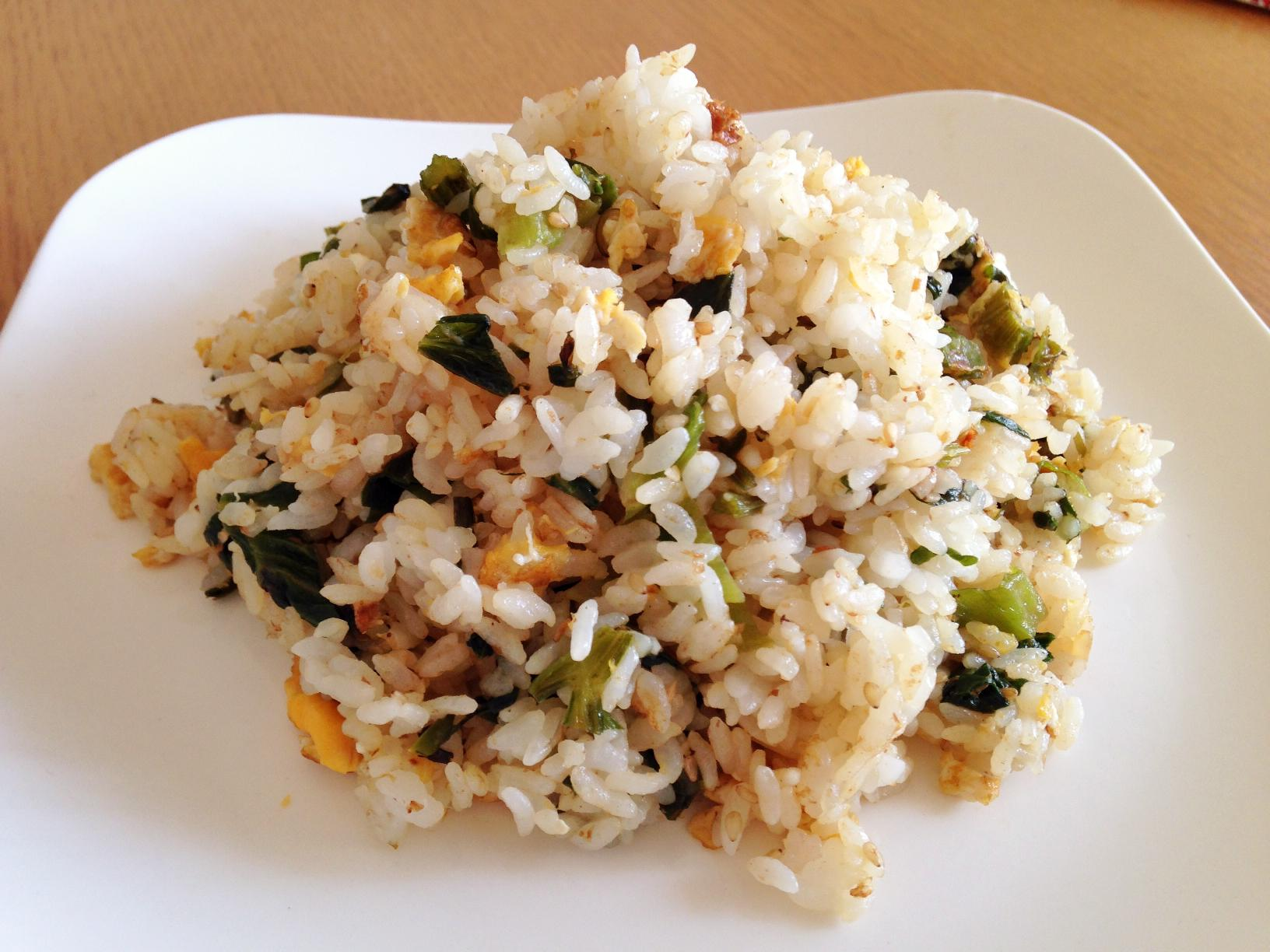 レタスとセロリの塩麹炒飯