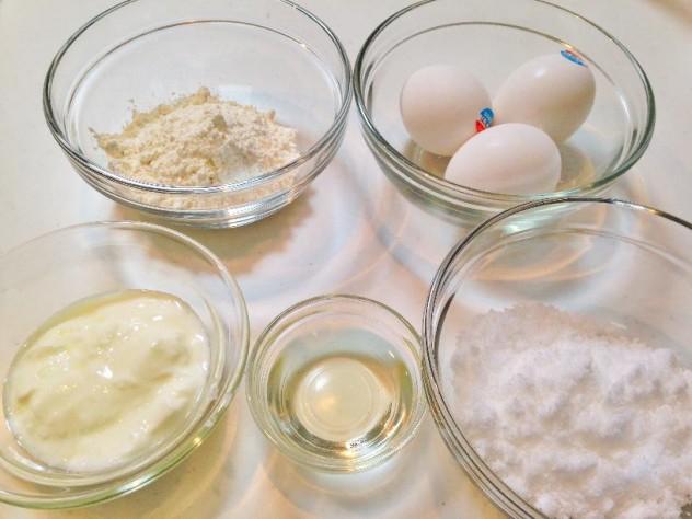 ヨーグルトシフォンケーキの材料
