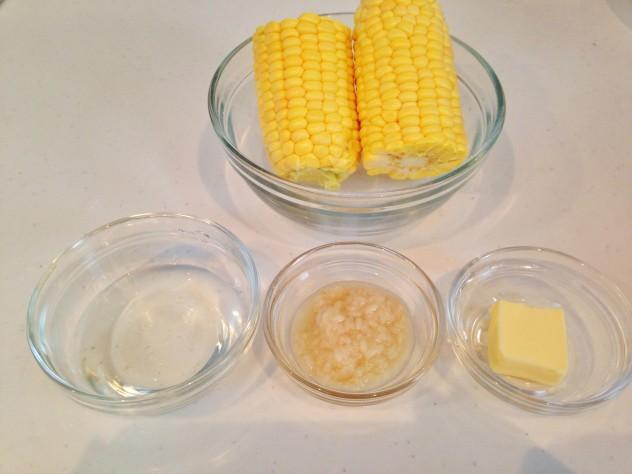 トウモロコシご飯の準備