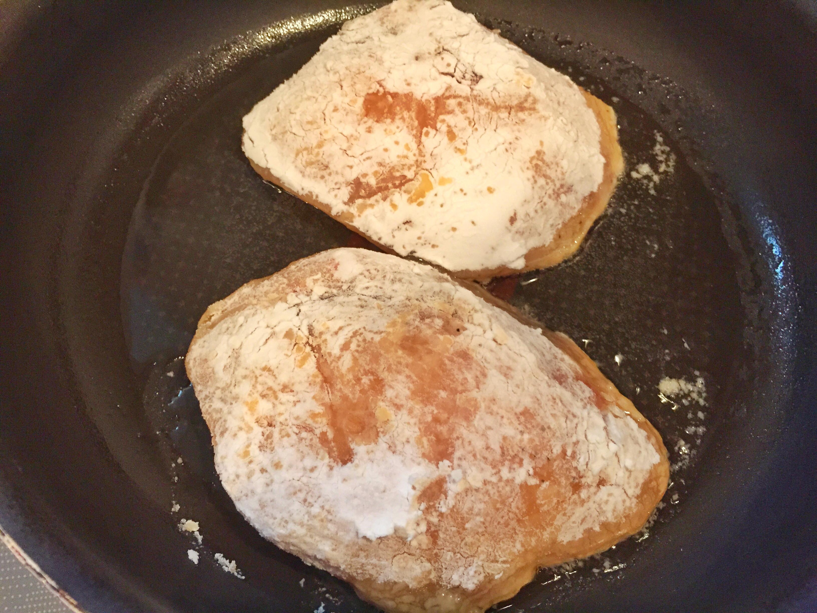めかじきをフライパンで焼く