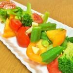 【レシピ:塩麹】夏野菜のみずみずしさと、ブラックペッパーマリネ液が、旨味を引き立てます!「夏野菜のカラフルマリネ」