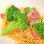 【レシピ:塩麹】柚子胡椒のピリッとした大人の辛さが食欲をそそります(≧∇≦)「ブロッコリーとベーコンのスパイシー柚子胡椒パスタ」