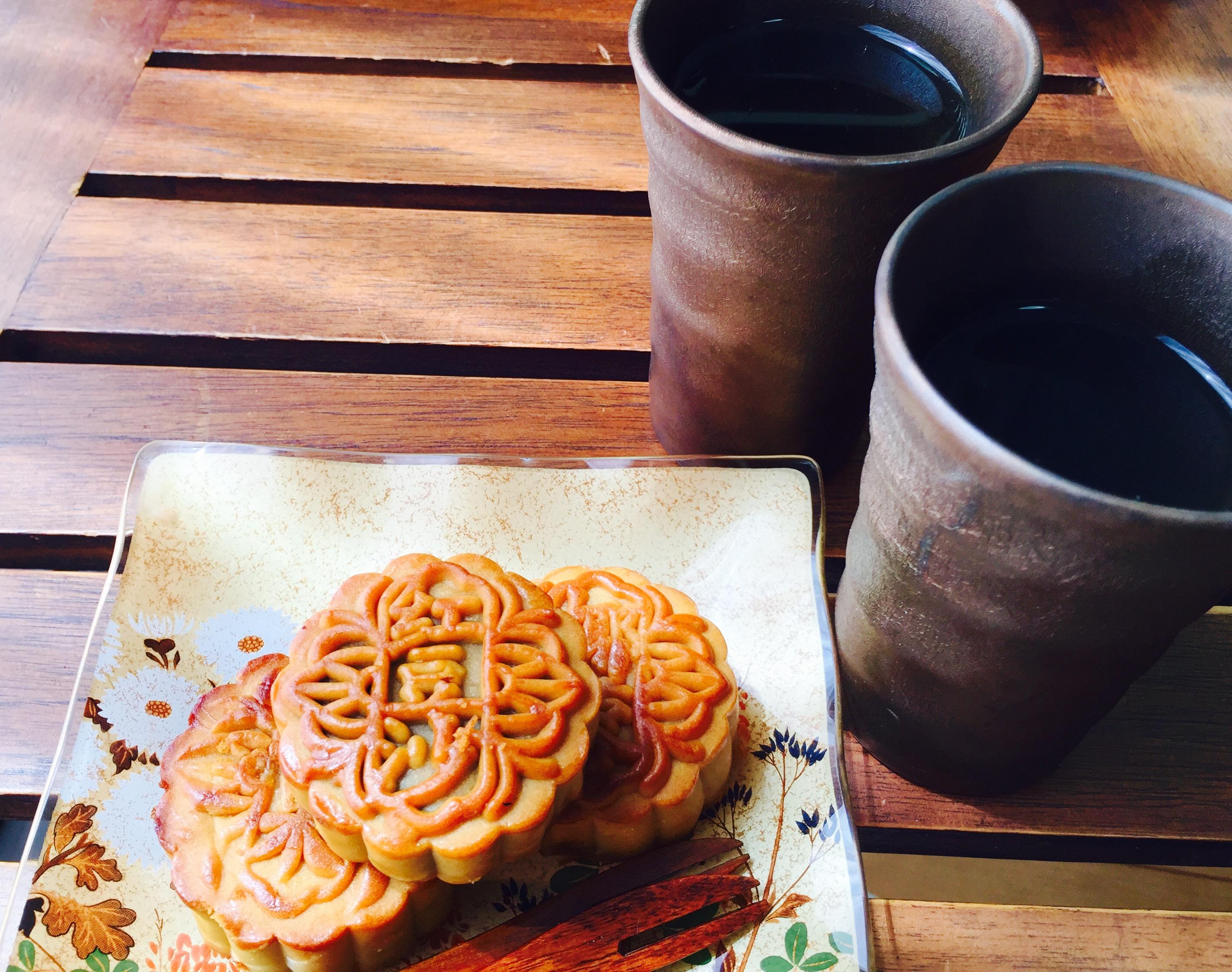 月餅と阿波番茶