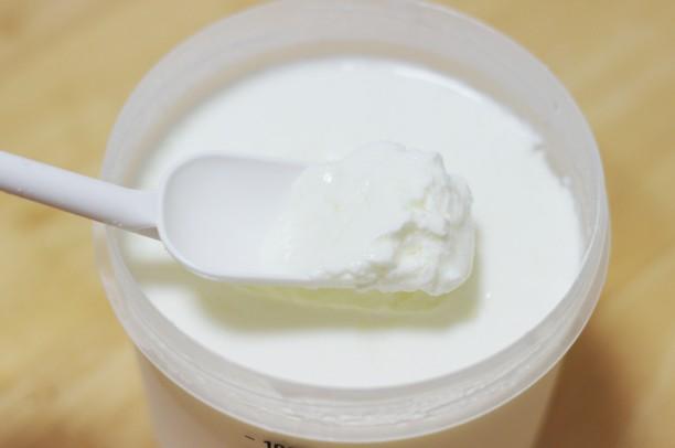 トップバリュヨーグルトとおいしい牛乳でヨーグルト完成