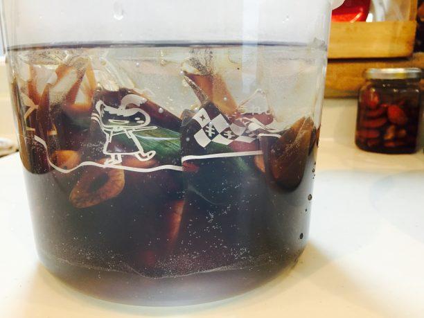内容器に入れお湯を注ぐ
