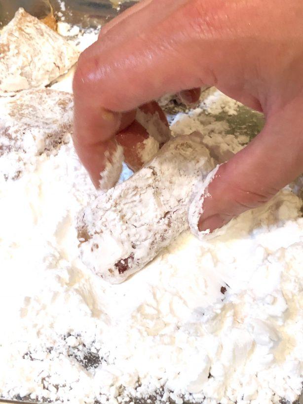 片栗粉をまぶす