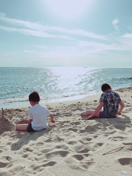 浜辺のそうちゃんとせんちゃん