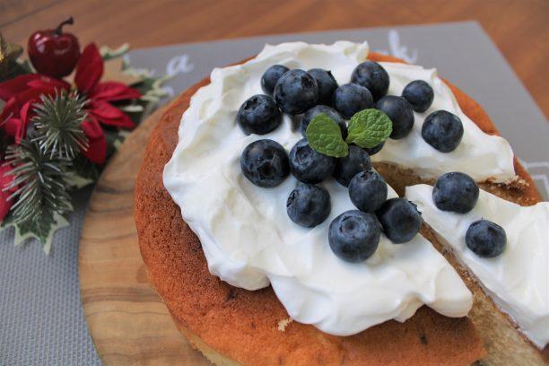【レシピ】ケーキ特集③☆「ブルーベリーのヨーグルトケーキ」焼きっぱなしのケーキがヨーグルトクリームで華やかに大変身!!