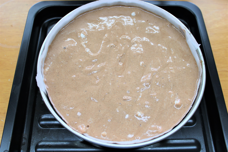 型に入れオーブンで焼く