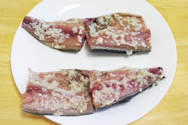 塩麹に漬けた鯖