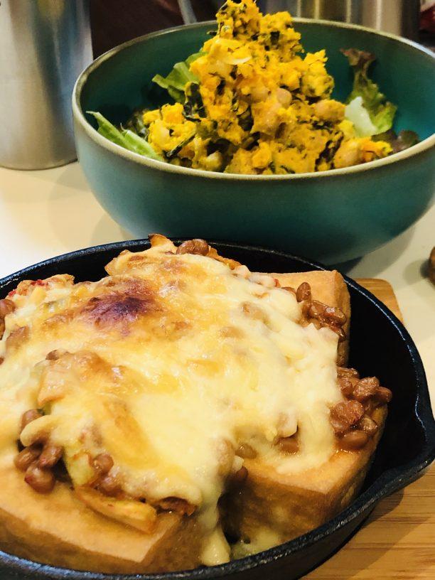 耐熱皿に盛り付け、トースターでチーズに焼き色がついたら出来上がり♫