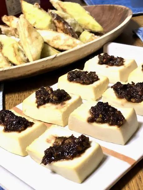 くるみ味噌をアレンジして、豆腐のくるみ味噌田楽を作ってみました。