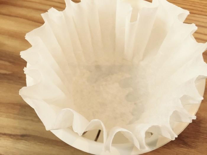 分離したものをKAMOSICOの水切りカゴで水切りします。