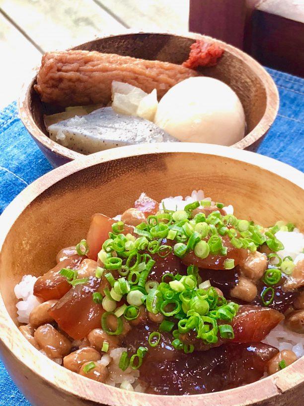 ご飯の上にまぐろ納豆を乗せ、ネギを散らしたら出来上がり♫